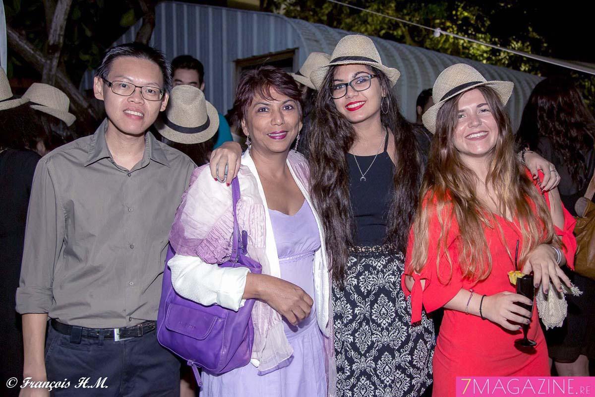 Daniel Chane Po Lun, expert-comptable, Rosida Formet, sa fille Sarah, stagiaire, et Marion, stagiaire