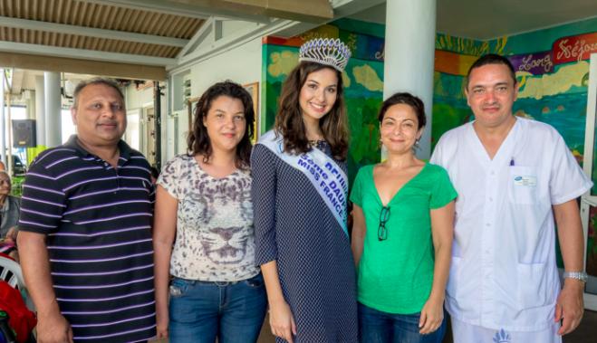 Miss Réunion accueillie par le personnel de l'USLD