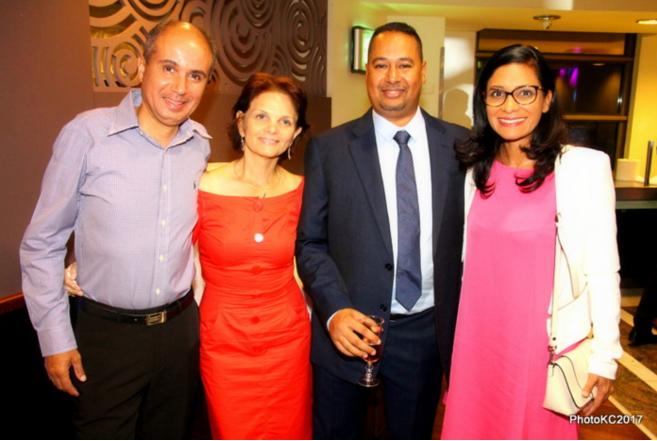 Bobby de Freedom avec sa femme Sylvie, Jean Louis Moutoussamy des Autocars des Mascareignes et Yolande Calichiama directrice de l'information sur Antenne Réunion