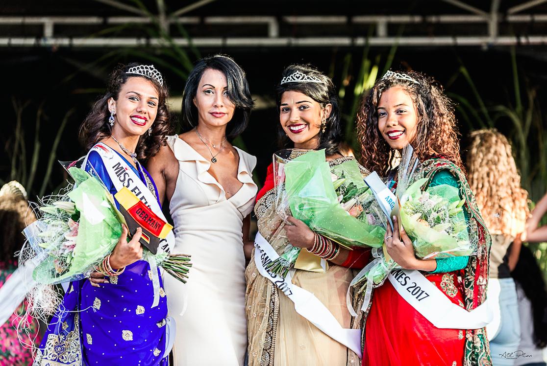 Angélique Payet, la marrraine 2017 de Miss Fleur de Canne entourée des gagnantes