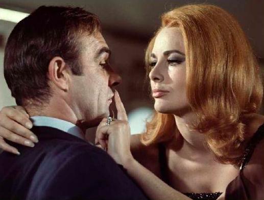"""La Bondgirl de """"On ne vit que 2 fois"""" s'est éteinte"""