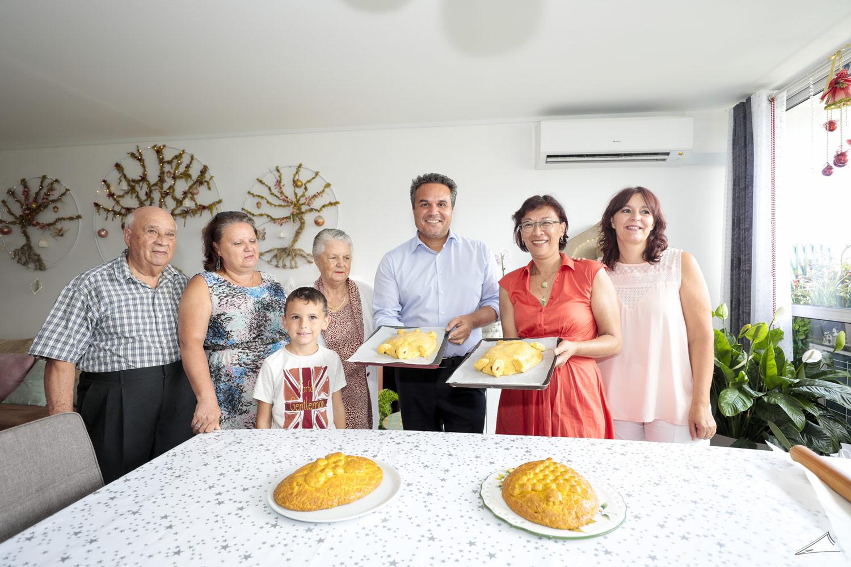 Le Président de la Région partage un moment de tradition dans une famille réunionnaise