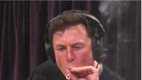 Joint et whisky en interview pour le patron de Tesla