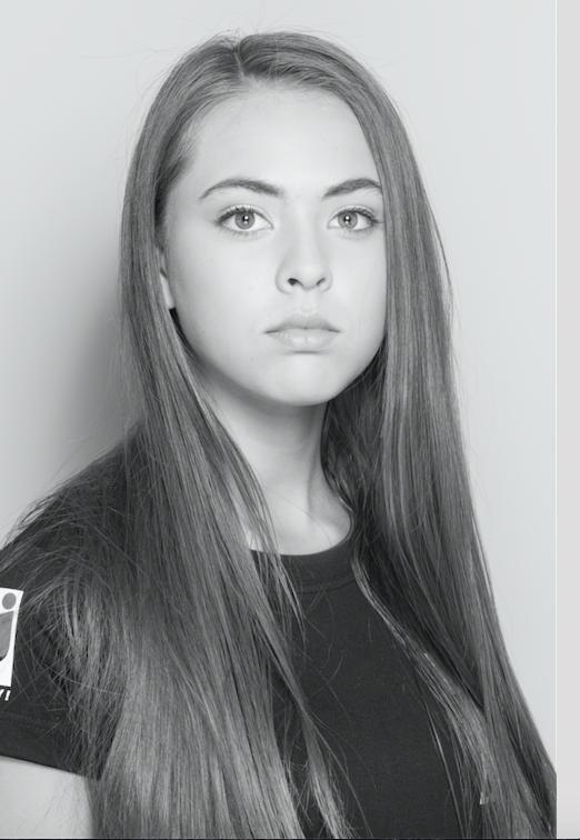 Anna - 16 ans - 1m74