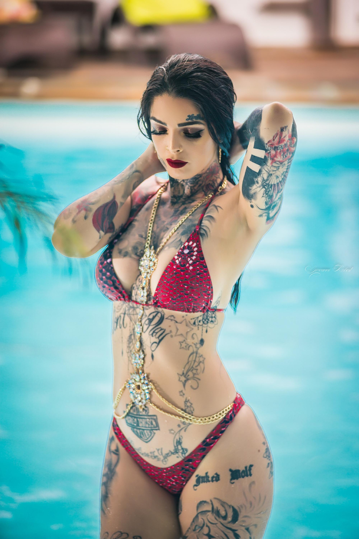 Mia Dolls, la Réunionnaise tatouée à 80%