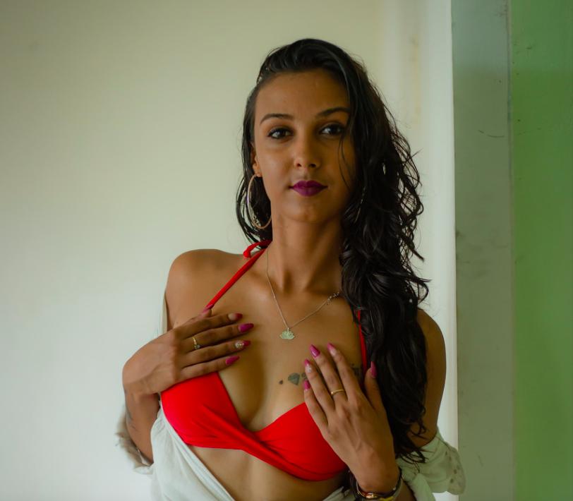 Julie Singabrayen, une beauté créole qui a du caractère