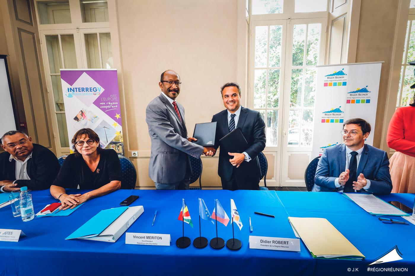 Signature de Convention Cadre INTERREG entre la République des Seychelles et la Région Réunion