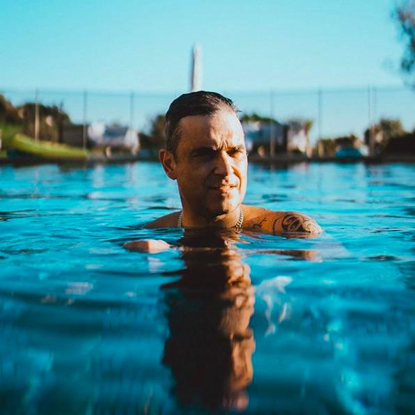 Robbie Williams : la drogue a failli le pousser au suicide