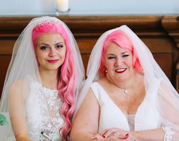 Julia et Eileen se sont mariées : 40 ans les séparent !