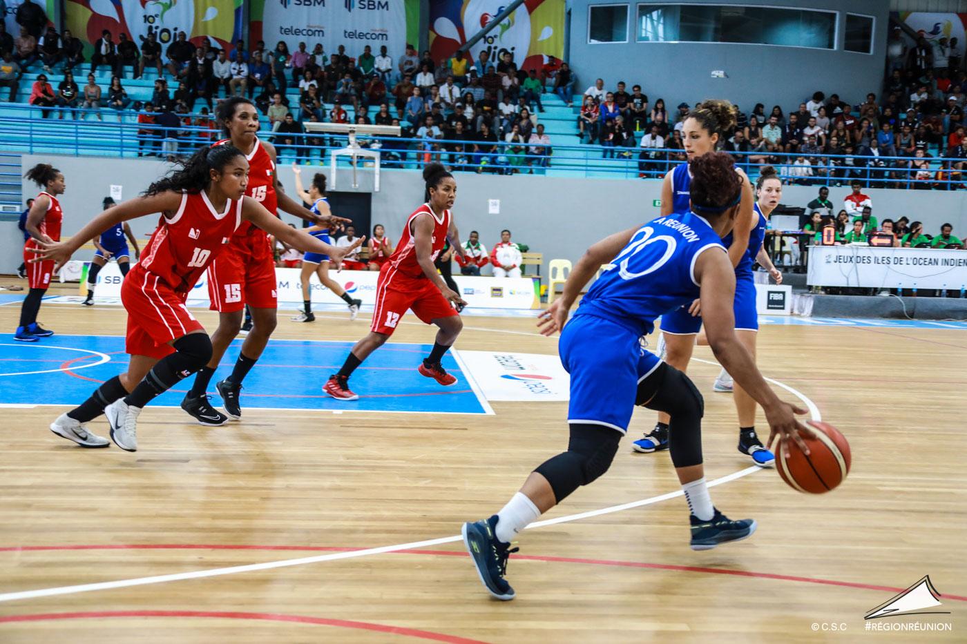 JIOI : Finale Basket-Ball (dames) : Réunion / Madagascar