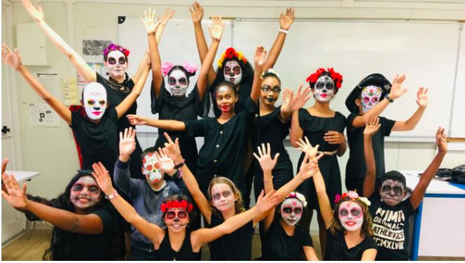📷 Jour des morts: La fête mexicaine à l'honneur au collège Le Bernica