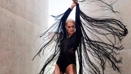 """Céline Dion: son dernier album """"Courage"""" bat tous les records"""