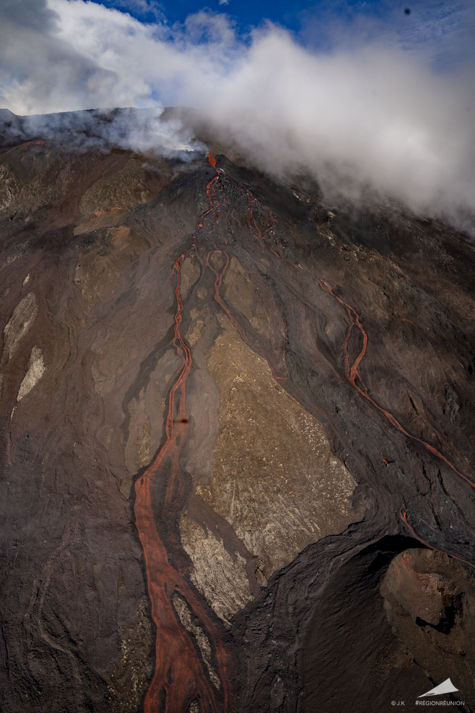 Le Piton de la Fournaise - 1ère éruption de l'année 2020