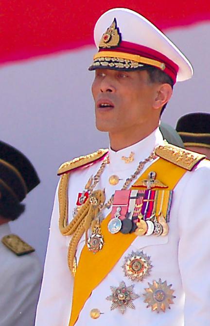 Les incroyables caprices du roi de Thaïlande, réfugié en Allemagne avec son harem