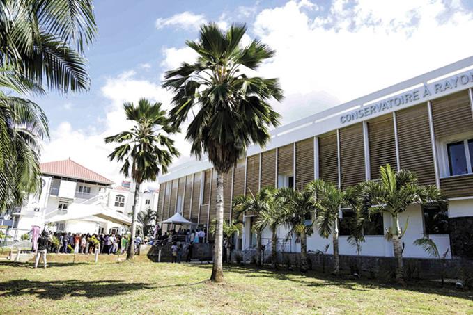 Le Conservatoire à Rayonnement Régional (CRR) assure une continuité pédagogique artistique pour ses élèves