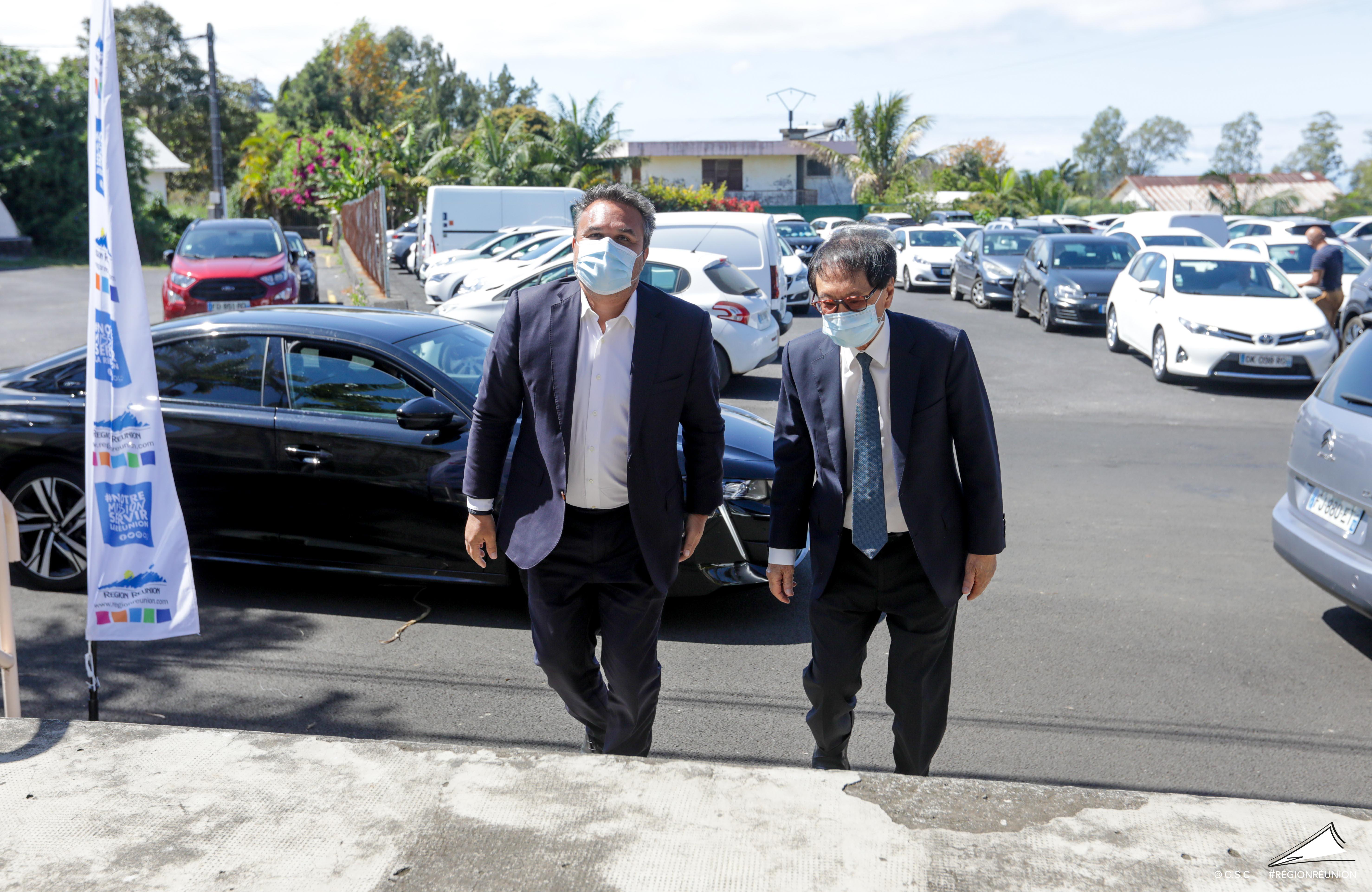 Signature d'accords-cadres entre la Région Réunion et les communes du Tampon et de Saint-Pierre