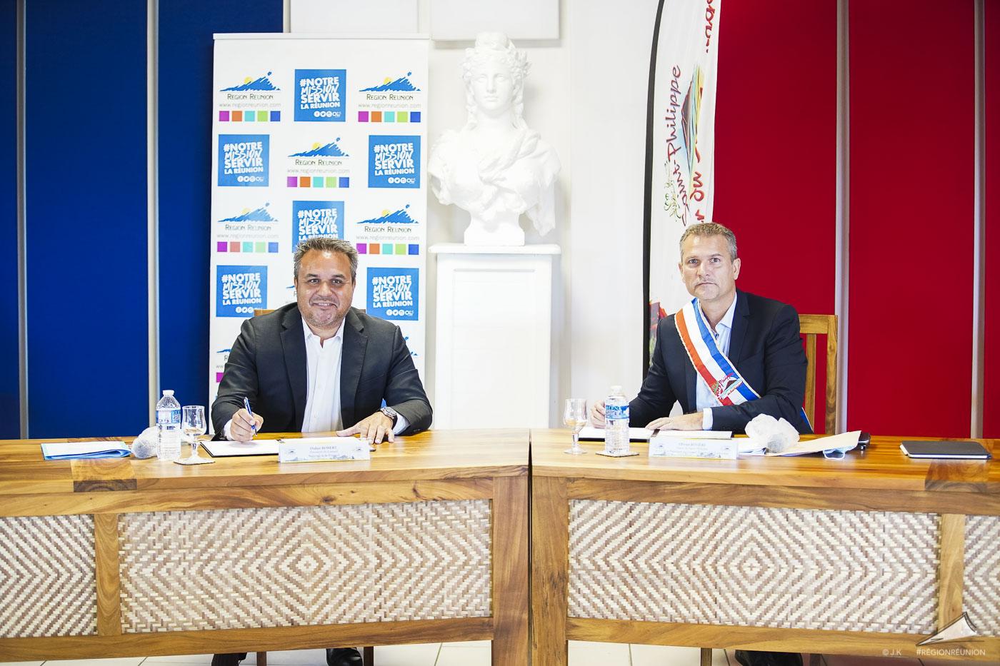 Signature de convention entre la Région et la commune de Saint-Philippe