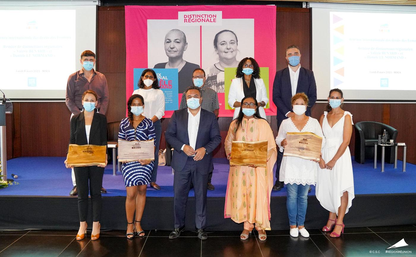 Le Président de la Région Didier Robert décerne les prix « Danièle Le Normand » et « Valérie Bénard » en hommage aux femmes réunionnaises engagées