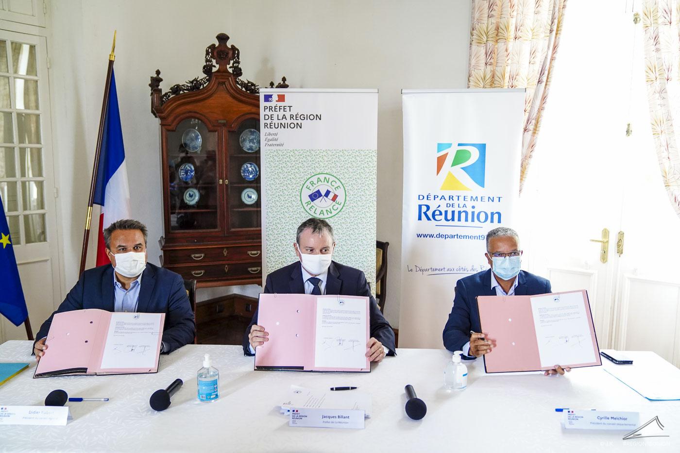 Le président de Région Didier Robert signe l'accord Etat-Région-Département pour la relance économique locale