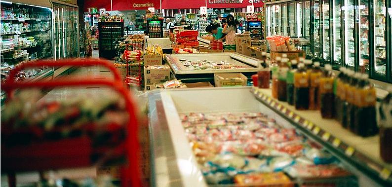 Propos haineux : la cliente du supermarché en garde à vue