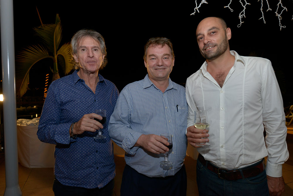Joël Périgaud, du cabinet du maire de Saint-Denis, Pascalou du service animation de la mairie de Saint-Denis, et Thomas Bordese, directeur des Electropicales