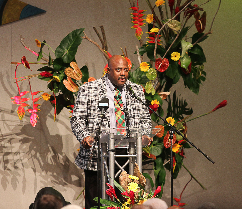 L'Honorable Ian Douglas,  Ministre du Tourisme,  de la Justice et de l'Aviation  Civile de la Dominique