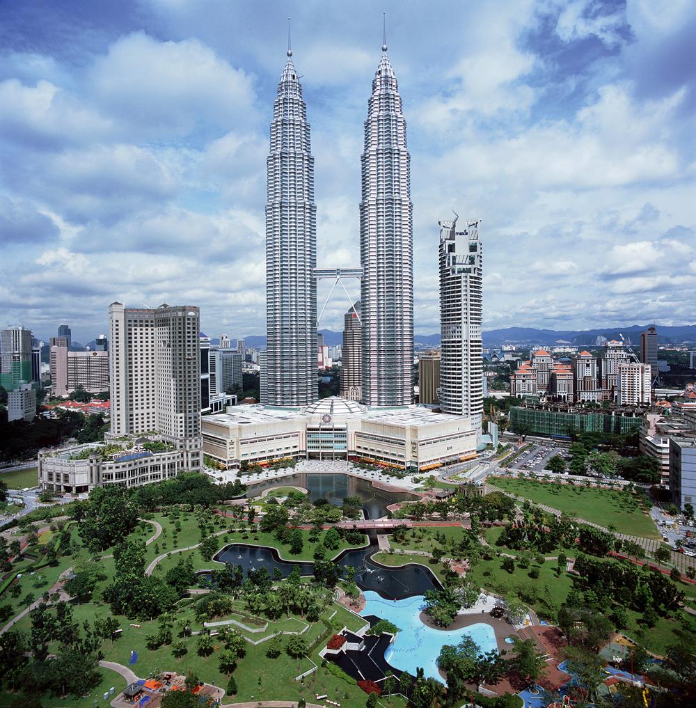 Les tours Petronas, fleuron de l'économie malaisienne à Kuala Lumpur