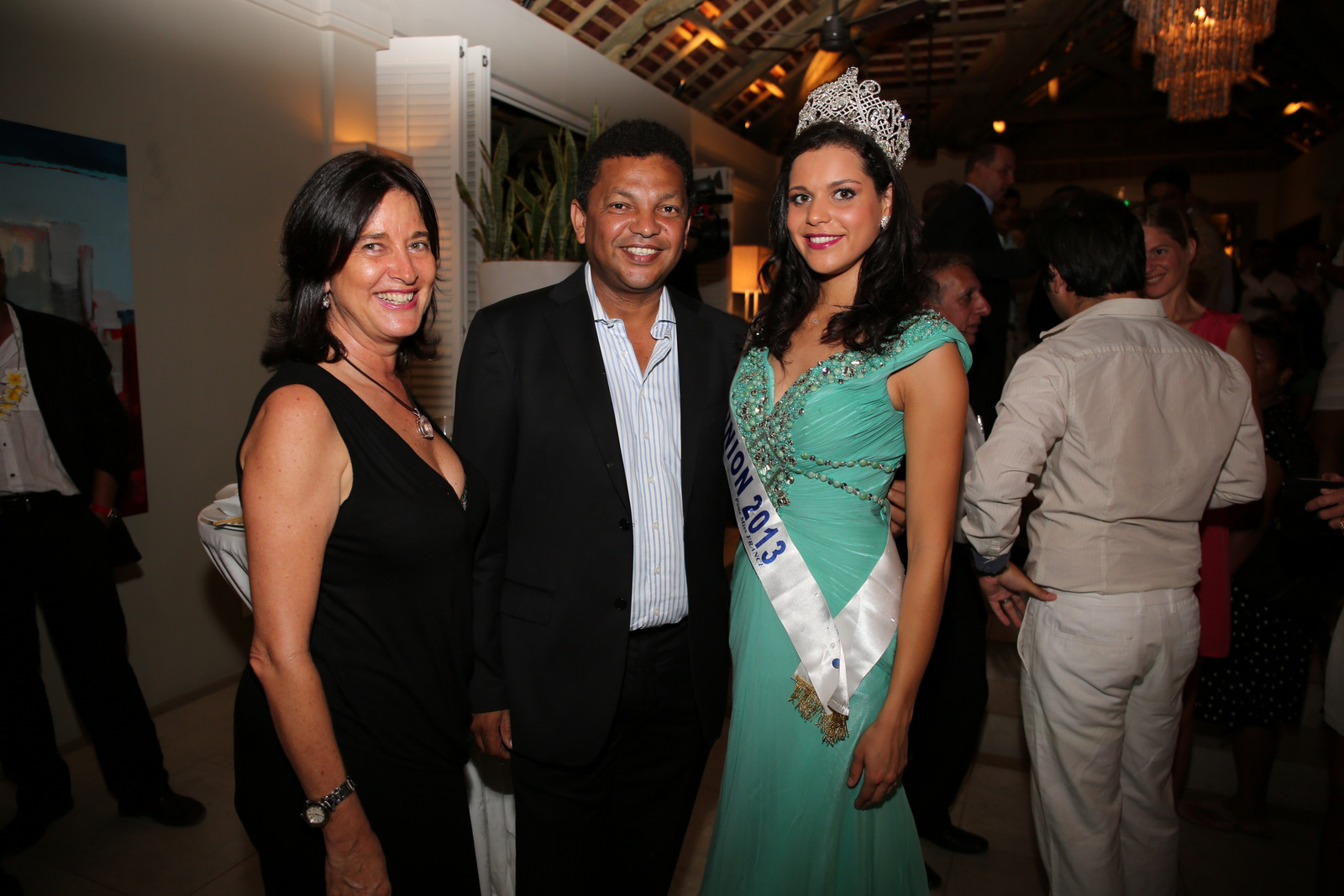 Irene Legris de British Airways,  Robert Desvaux, et Miss Réunion