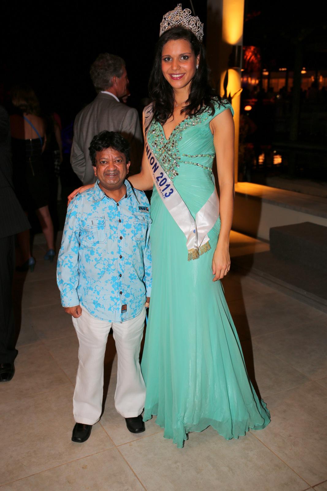 Ranjeet Maybadee, Secrétaire du Vice Premier Ministre Xavier Luc Duval,  et Miss Réunion dont il est fan!