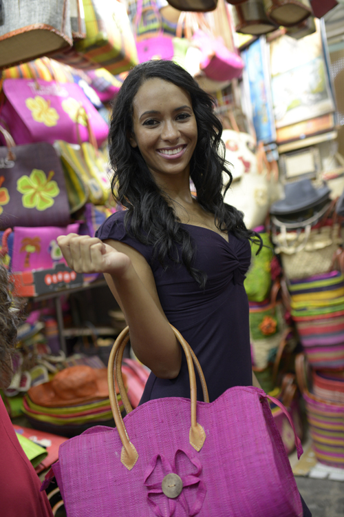 MISS REUNION: Escapade au marché artisanal de Port Louis