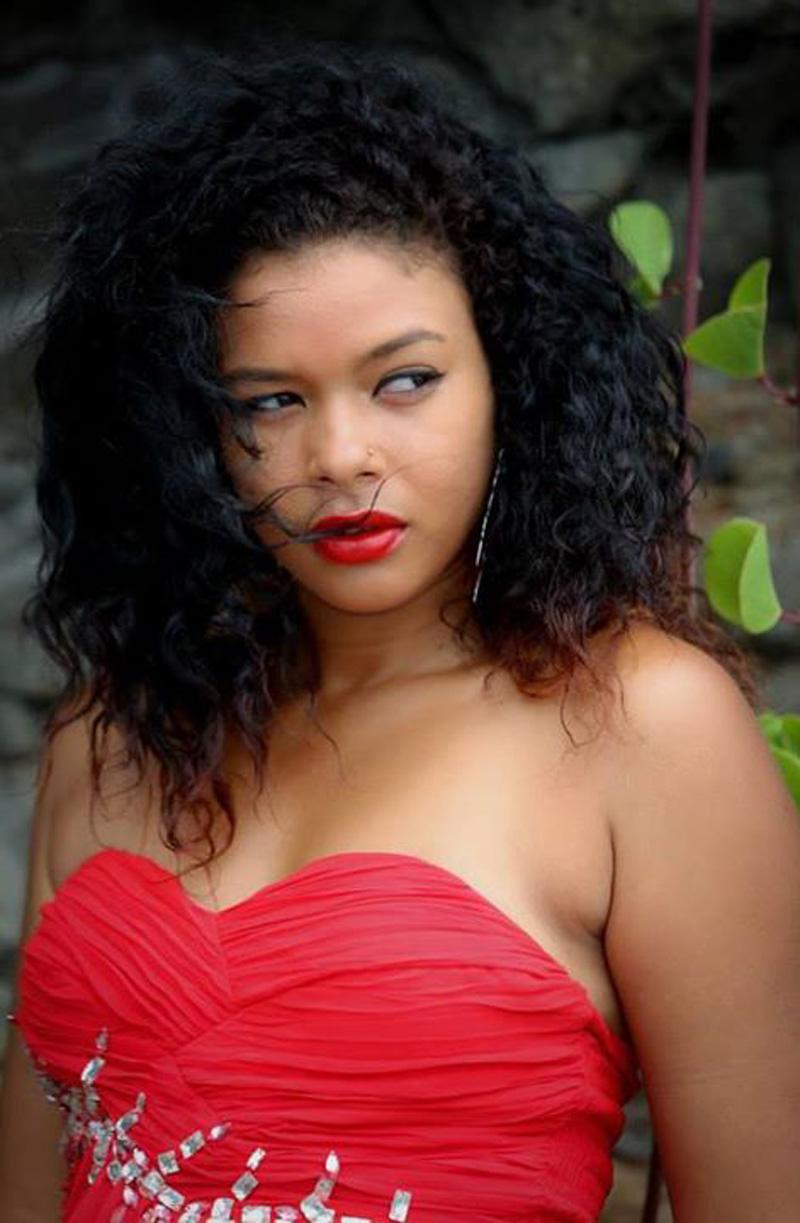 Tessa Robert, diplômée de BTP  et chanteuse