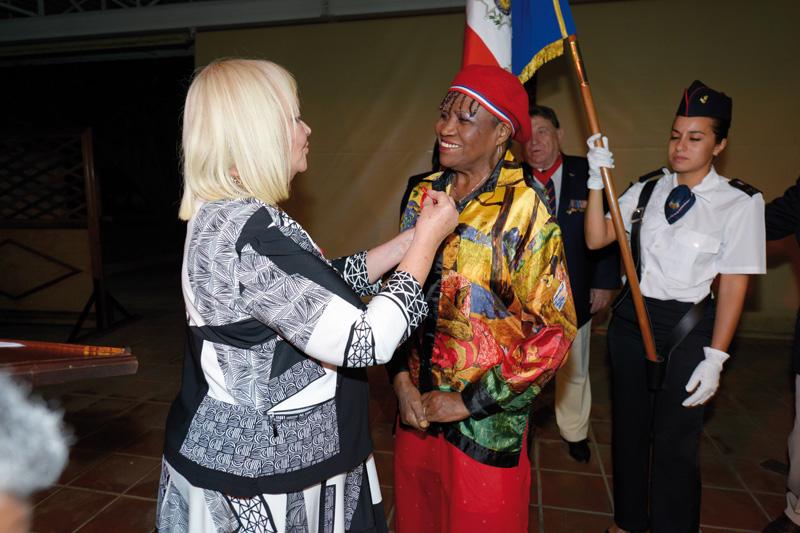 Tantine Zaza décorée de la Légion d'Honneur