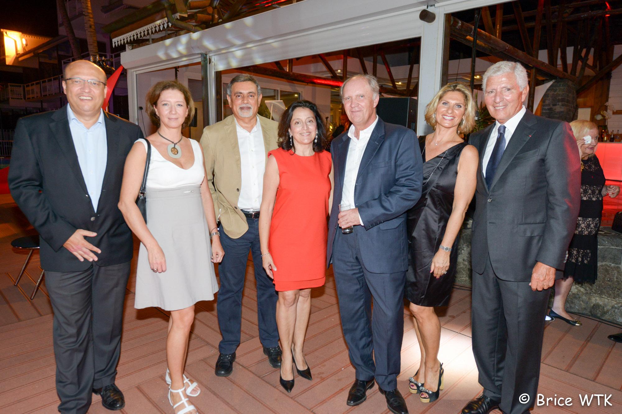 Frederic Alory, directeur régional d'Air France, Alice Bordier, Youssouf Mohamed, Elisabeth et Bertrand Guillot, Laurence et Jean-Pierre Haggai