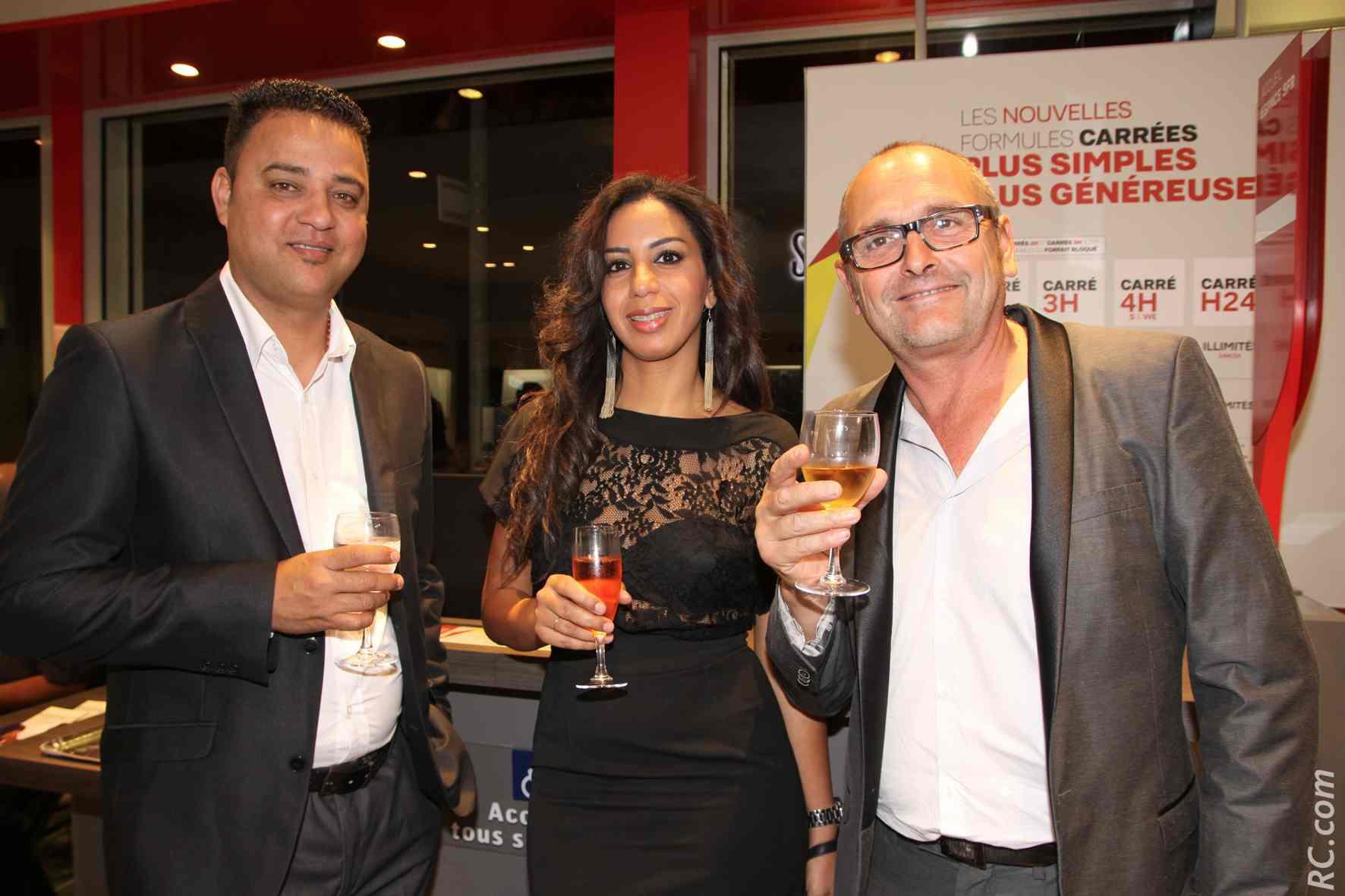 Joël Fontaine, directeur Mobiles Réunion, Jean-Pierre Moreau et son épouse (de 21° Sud)