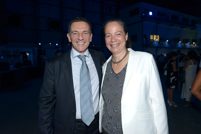 Jean-Marc Grazzini, directeur marketing et commercial d'Air Austral et Catherine Frécaut, directrice de Bourbon Voyages