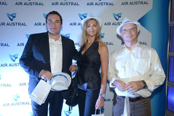 Pascal Turonnet, directeur général de l'hotel Mercure Creolia, son épouse Virginie et   Eric Sponem délégué régional Helvetia Assurances