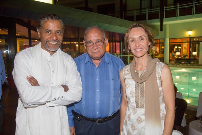 Amédée Louis-Fernand, président fondateur de Coeur et Conscience, Monsieur Bègue, et Brenda Guidi, vice-présidente de Coeur et Conscience