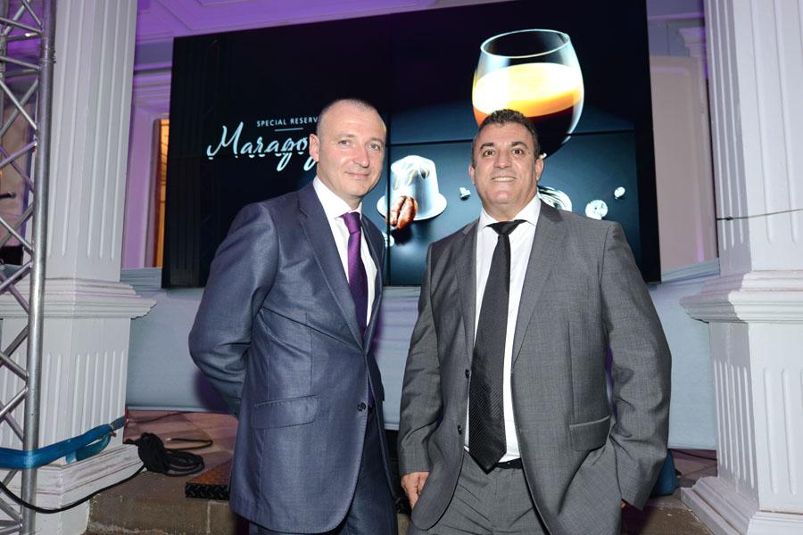 Pierre Debayle, directeur régional Nespresso Moyen-Orient, Afrique et Caraïbes Jean-Yves Moron, gérant Nespresso Réunion-Mayotte)