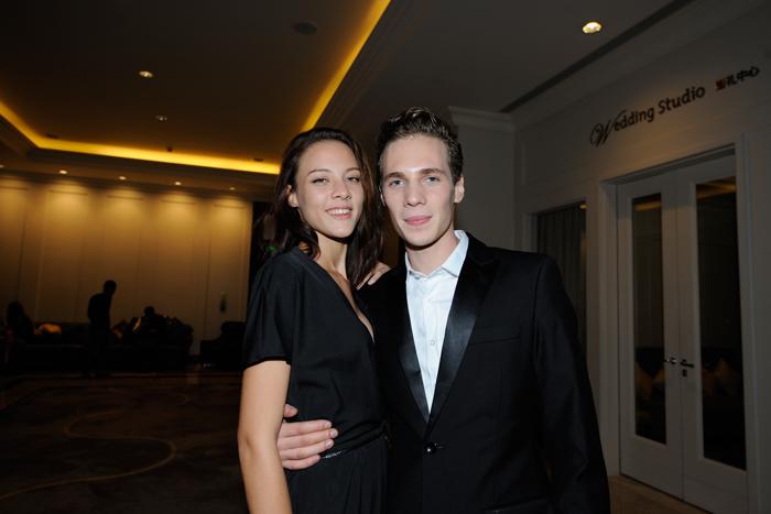 Jade pose avec David