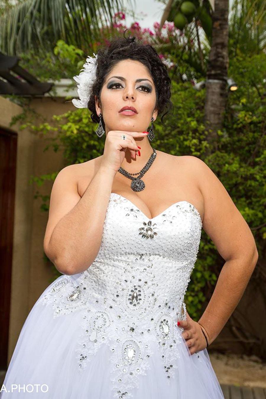 Oui, elle a des kilos en plus, ça ne l'empêche pas de vivre pleinement sa passion de la mode…
