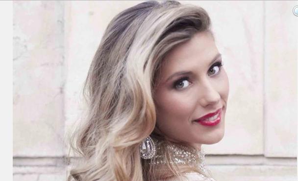 Miss Univers 2015: La couronne pour Camille Cerf?