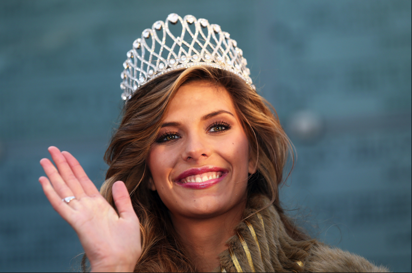 Miss France enfonce le clou sur Miss Univers!