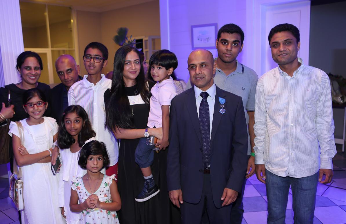 Abdoullah Lala entouré de sa famille