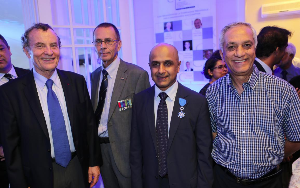 Guy Dupont, président de l'Agence de Développement de La Réunion, Bernard Salva, Aboullah Lala et Ismaël Locate, directeur des Services du Conseil Général