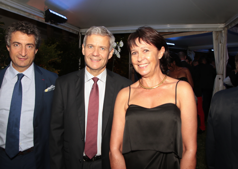 Paul Chénard, président de Domusvi, Bernard Frémont et Cécile Dupré présidente de la SNSM de Sainte-Marie