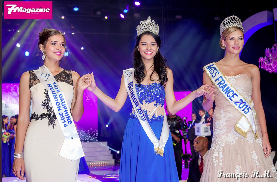 Hier soir, sur la scène du Téat Champ Fleuri, Azuima entourée d'Anne-Gaëlle Laterrière 1ère dauphine de Miss Réunion 2014 et de Camille Cerf, Miss France 2015