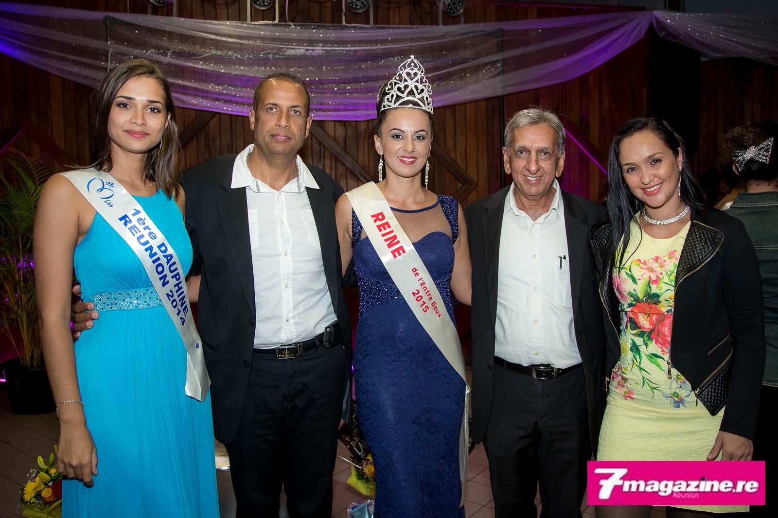 Tracy Vitry avec Anne-Gaëlle Laterrière, 1ère dauphine Miss Réunion 2014, Dominique Grondin, directeur de l'OMAG, Aziz Patel du Comité Miss Réunion, et la compagne de Dominique