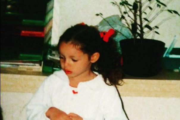 Nabilla a été jeune et naturelle!
