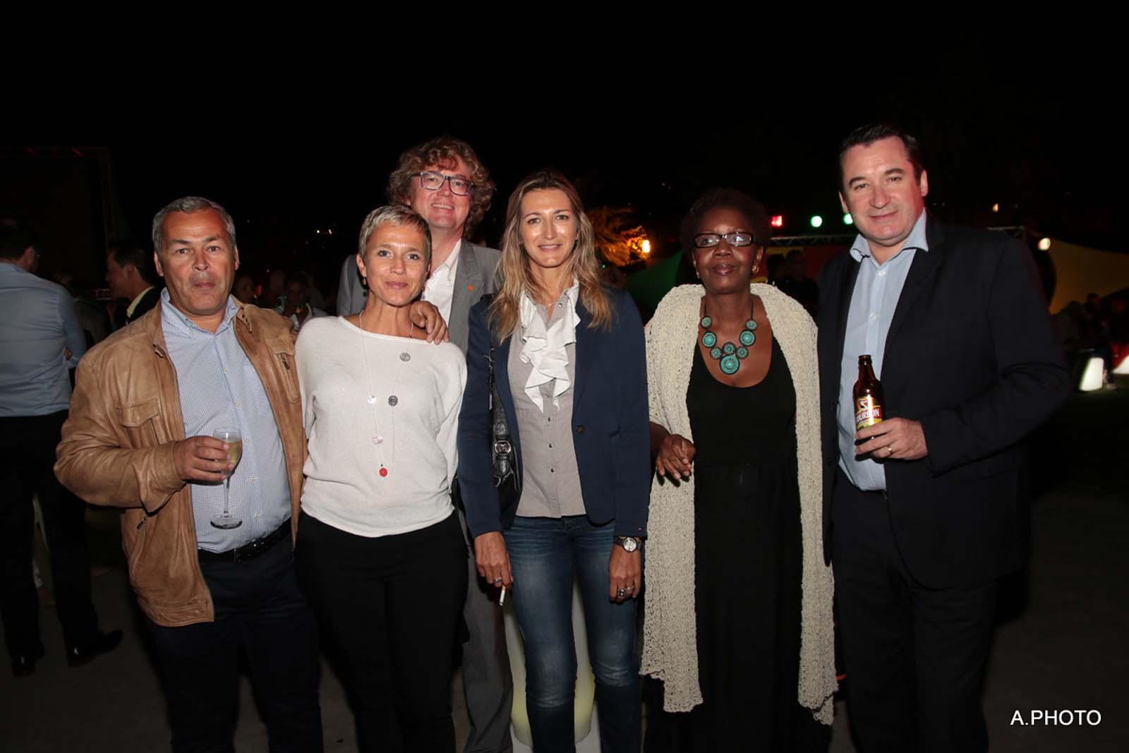 Frédéric et Carine Chausson, Eric Bouquillon, Virginie Turonnet, Marie-Lucie Ajax du LUX, et Pascal Turonnet, directeur du Mercure Créolia