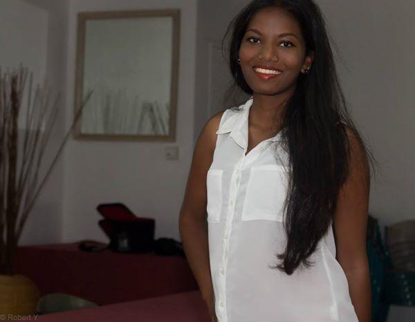 Elle peut arborer ce beau sourire, sa nouvelle vie riche...